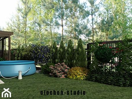 Aranżacje wnętrz - Ogród: Projekt ogrodu w Niepołomicach - Ciochoń-Studio. Przeglądaj, dodawaj i zapisuj najlepsze zdjęcia, pomysły i inspiracje designerskie. W bazie mamy już prawie milion fotografii!