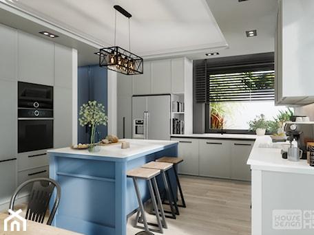 Aranżacje wnętrz - Kuchnia: kuchnia z niebieską wyspą - DOKTOR HOUSE DESIGN. Przeglądaj, dodawaj i zapisuj najlepsze zdjęcia, pomysły i inspiracje designerskie. W bazie mamy już prawie milion fotografii!
