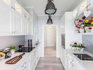 Białe kuchnie zawsze na czasie. Przegląd inspiracji i rozwiązań