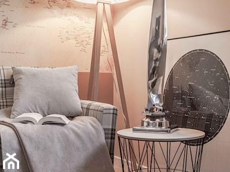 Aranżacje wnętrz - Biuro: Biuro w domu- detal - Pragmatic Design. Przeglądaj, dodawaj i zapisuj najlepsze zdjęcia, pomysły i inspiracje designerskie. W bazie mamy już prawie milion fotografii!