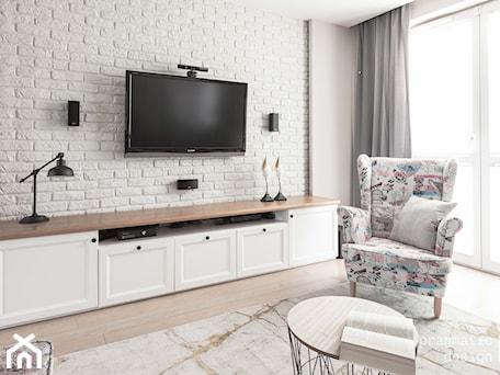 Aranżacje wnętrz - Salon: mieszkanie przy Batalionów - Mały szary salon, styl prowansalski - Pragmatic Design. Przeglądaj, dodawaj i zapisuj najlepsze zdjęcia, pomysły i inspiracje designerskie. W bazie mamy już prawie milion fotografii!