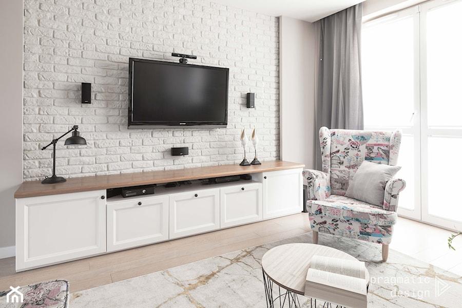 mieszkanie przy Batalionów - Mały szary salon, styl prowansalski - zdjęcie od Pragmatic Design