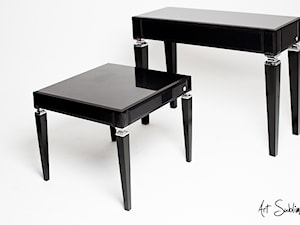 AVANT-GARDE Black Table