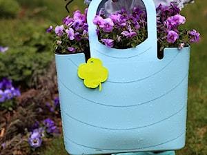 Błękitna torba do ogrodu - zdjęcie od Przydomu.pl