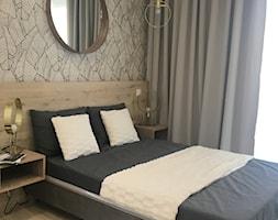 Mieszkanie pokazowe Olsztyn - Średnia szara sypialnia małżeńska, styl nowoczesny - zdjęcie od STUDIO BRYŁA KATARZYNA DEREWICZ - Homebook