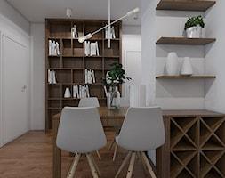 GOOD VIBES ONLY - Mała otwarta biała jadalnia jako osobne pomieszczenie, styl skandynawski - zdjęcie od UTOO- pracownia architektury wnętrz i krajobrazu