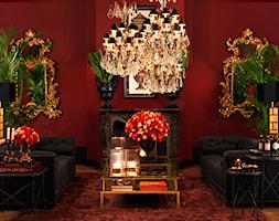 EICHHOLTZ - ARANŻACJE - Średni czerwony salon, styl eklektyczny - zdjęcie od Galeria Heban- ekskluzywne meble - Homebook