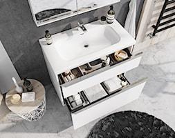 Lofty - Mała czarna łazienka na poddaszu w bloku w domu jednorodzinnym z oknem - zdjęcie od Elita - Homebook