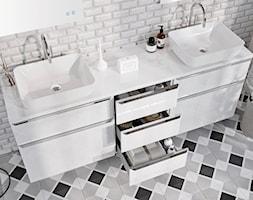 Lofty - Mała szara łazienka w bloku w domu jednorodzinnym bez okna - zdjęcie od Elita - Homebook