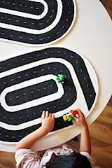 Jak zrobić dywanik do pokoju dziecięcego?