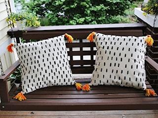 DIY: Jak zrobić oryginalną poduszkę z frędzelkami?