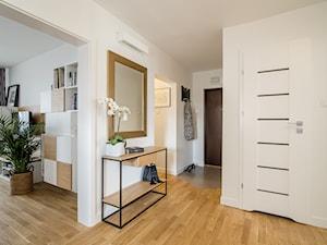 Mieszkasz w bloku? Dowiedz się, jakie drzwi wejściowe warto kupić do mieszkania