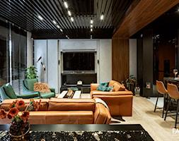 SESJA TORUŃ - Średni szary biały salon z kuchnią z jadalnią, styl nowoczesny - zdjęcie od FAMM DESIGN