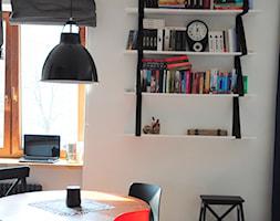 LOFT klimat 60m2 - Mała otwarta biała jadalnia w salonie, styl industrialny - zdjęcie od Dizajnia art - studio projektowe