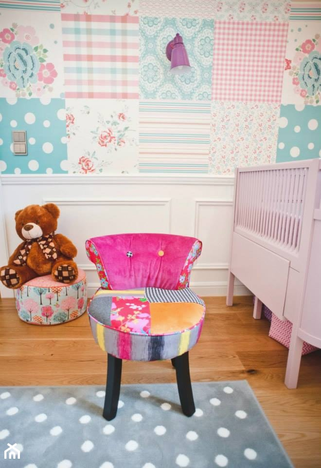 Aranżacje wnętrz - Pokój dziecka: romantyczny pokój dziecięcy - Pokój dziecka, styl nowoczesny - Dizajnia art - studio projektowe. Przeglądaj, dodawaj i zapisuj najlepsze zdjęcia, pomysły i inspiracje designerskie. W bazie mamy już prawie milion fotografii!