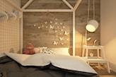 drewniana ściana, łóżko z baldachimem, biała lampa wisząca w pokoju dziecka