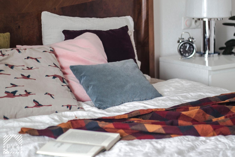 Mieszkanie Art Deco - Biała sypialnia małżeńska, styl vintage - zdjęcie od PX3 Pracownia Projektowa Prokopowicz - Homebook