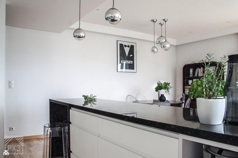 Mieszkanie Art Deco - Średnia biała kuchnia z wyspą, styl art deco - zdjęcie od PX3 Pracownia Projektowa Prokopowicz - Homebook