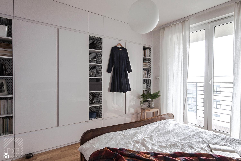 Mieszkanie Art Deco - Średnia biała sypialnia małżeńska, styl art deco - zdjęcie od PX3 Pracownia Projektowa Prokopowicz - Homebook