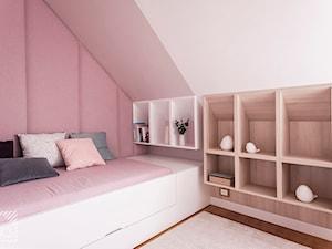 Pudrowo-miętowy pokój 6-letniej Zosi - Mały różowy pokój dziecka dla dziewczynki dla malucha dla nastolatka, styl nowoczesny - zdjęcie od PX3 Pracownia Projektowa Prokopowicz