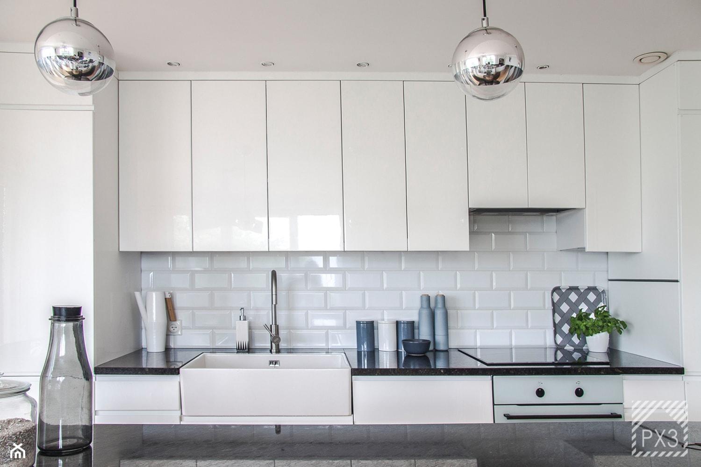 Mieszkanie Art Deco - Średnia otwarta biała kuchnia dwurzędowa w aneksie, styl art deco - zdjęcie od PX3 Pracownia Projektowa Prokopowicz - Homebook