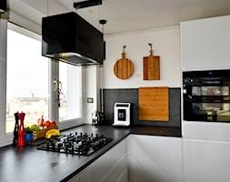Flores+Glass+Max+Black+-+zdj%C4%99cie+od+Nortberg+Ekskluzywne+Okapy+Kuchenne