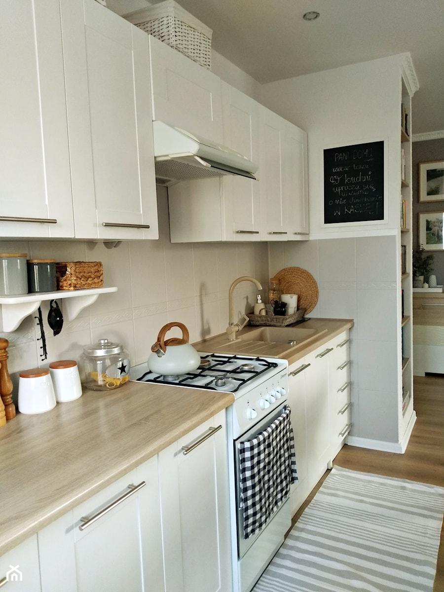 Salon Z Kuchnią W Bloku Mała Otwarta Kuchnia Styl