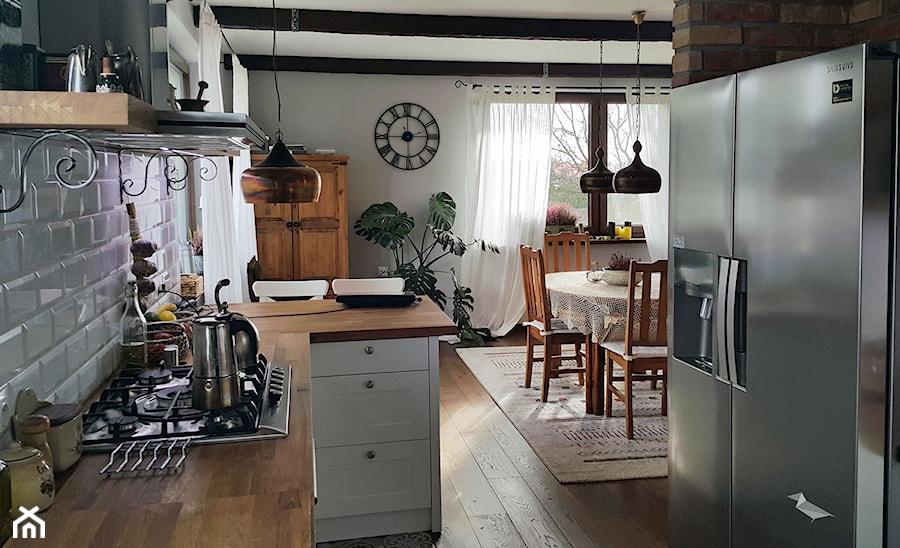 Kuchnia otwarta  zdjęcie od Projekt Kawka -> Kuchnia Zielone Kafelki