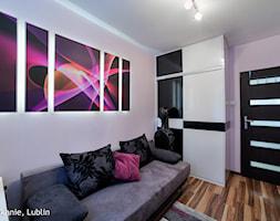 metamorfoza mieszkania 60m2 ul.agatowa lublin - Małe szare biuro domowe w pokoju, styl nowoczesny - zdjęcie od Auraprojekt