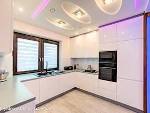 Dom jednorodzinny Lubartów - Średnia otwarta biała kuchnia w kształcie litery u, styl nowoczesny - zdjęcie od Auraprojekt