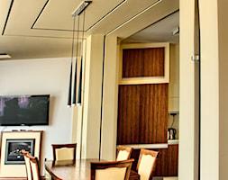 apartament II SUNHILL Lublin - Mały żółty salon z jadalnią, styl minimalistyczny - zdjęcie od Auraprojekt