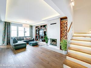 Dom jednorodzinny ul.Goplan Lublin - Średnie szerokie schody zabiegowe z materiałów mieszanych, styl minimalistyczny - zdjęcie od Auraprojekt