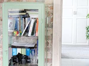 LUBOŃ | Dom jednorodzinny - Małe biuro na poddaszu w pokoju, styl skandynawski - zdjęcie od dekoratorka.pl