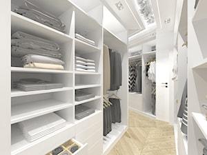 Biel i glamour - Duża zamknięta garderoba oddzielne pomieszczenie, styl glamour - zdjęcie od DYLIK DESIGN