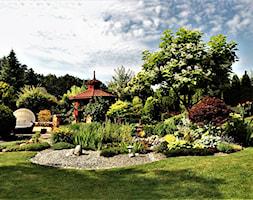widok na tylną część ogrodu - zdjęcie od Franciszek Grzegoszczyk