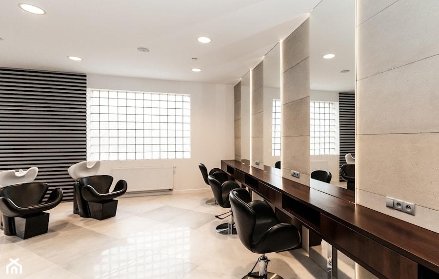 Aranżacje wnętrz - Wnętrza publiczne: Gabinet kosmetyczny Yasumi Częstochowa - MAXFLIZ . Przeglądaj, dodawaj i zapisuj najlepsze zdjęcia, pomysły i inspiracje designerskie. W bazie mamy już prawie milion fotografii!