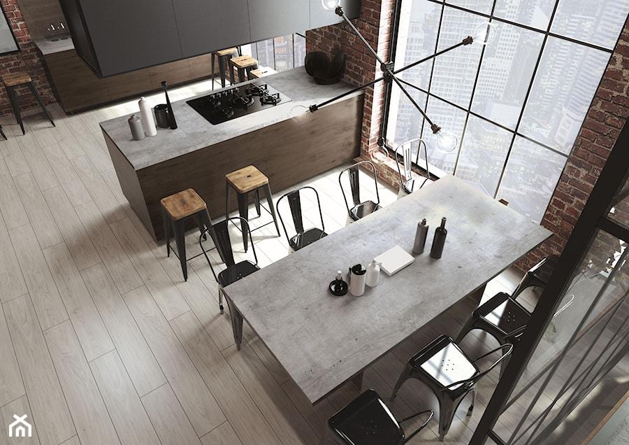 Blaty kuchenne - Średnia otwarta czarna kuchnia dwurzędowa z wyspą z oknem, styl industrialny - zdjęcie od SWISS KRONO