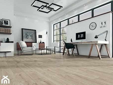 Aranżacje wnętrz - Salon: Panele podłogowe D4580 Dąb Western - SWISS KRONO. Przeglądaj, dodawaj i zapisuj najlepsze zdjęcia, pomysły i inspiracje designerskie. W bazie mamy już prawie milion fotografii!