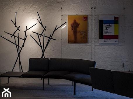 Aranżacje wnętrz - Wnętrza publiczne: Lampa stojąca Foscarini - Tuareg - czarny chrom - DecoMania.pl. Przeglądaj, dodawaj i zapisuj najlepsze zdjęcia, pomysły i inspiracje designerskie. W bazie mamy już prawie milion fotografii!