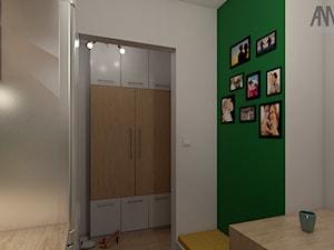 KUCHNIA I ŁAZIENKA W WIELKIEJ PŁYCIE - Mały biały zielony hol / przedpokój, styl nowoczesny - zdjęcie od AM architektura