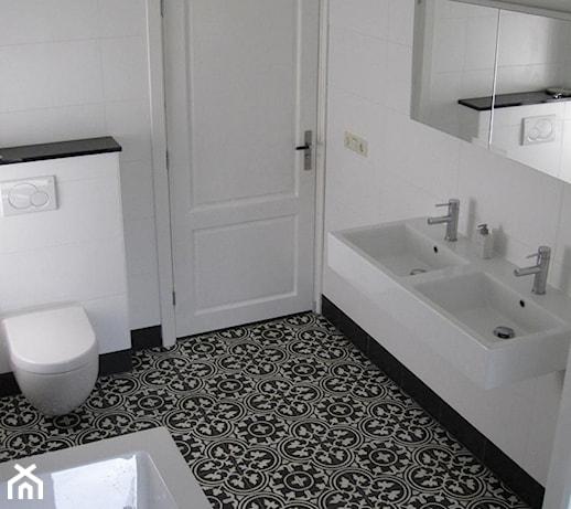 Eleganckie cementowe p ytki stylizowane na wz r maroka ski zdj cie od kolory maroka - Deco toilet grijs en wit ...