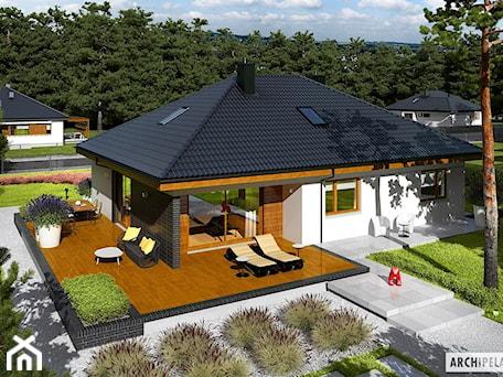 Aranżacje wnętrz - Taras: Projekt domu Astrid (mała) II G2 - ARCHIPELAG Pracownia Projektowa . Przeglądaj, dodawaj i zapisuj najlepsze zdjęcia, pomysły i inspiracje designerskie. W bazie mamy już prawie milion fotografii!