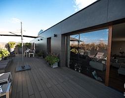 Penthouse Wilanów z tarasem - w duchu ponadczasowej elegancji - Duży taras na dachu, styl nowoczesny - zdjęcie od Chałupko Design