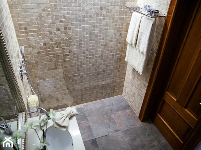 Prysznic bez brodzika: wady i zalety