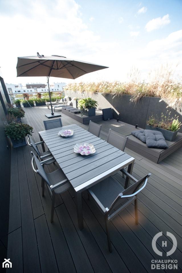 Penthouse Wilanów z tarasem - w duchu ponadczasowej elegancji - Duży taras na dachu, styl nowoczesny - zdjęcie od Chałupko Design - Homebook