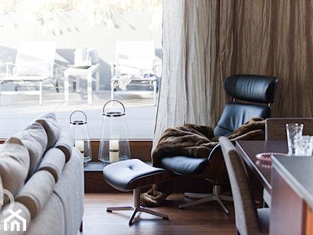 Aranżacje wnętrz - Salon: Penthouse Wilanów z tarasem - w duchu ponadczasowej elegancji - Salon, styl nowoczesny - Chałupko Design. Przeglądaj, dodawaj i zapisuj najlepsze zdjęcia, pomysły i inspiracje designerskie. W bazie mamy już prawie milion fotografii!