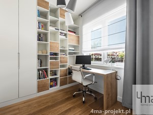 Dom 148 m2. - Małe białe biuro pracownia domowe kącik do pracy, styl nowoczesny - zdjęcie od 4ma projekt