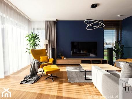 Aranżacje wnętrz - Salon: Mieszkanie o pow. 129 m2 - Mokotów - Średni biały niebieski salon, styl nowoczesny - 4ma projekt. Przeglądaj, dodawaj i zapisuj najlepsze zdjęcia, pomysły i inspiracje designerskie. W bazie mamy już prawie milion fotografii!