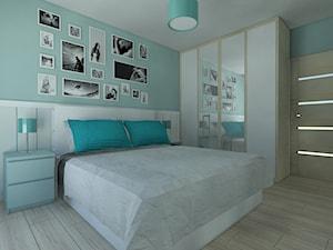 Turkusowo biała sypialnia