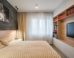 Kościańska sypialnia - Średnia biała sypialnia małżeńska - zdjęcie od Carolineart - Homebook